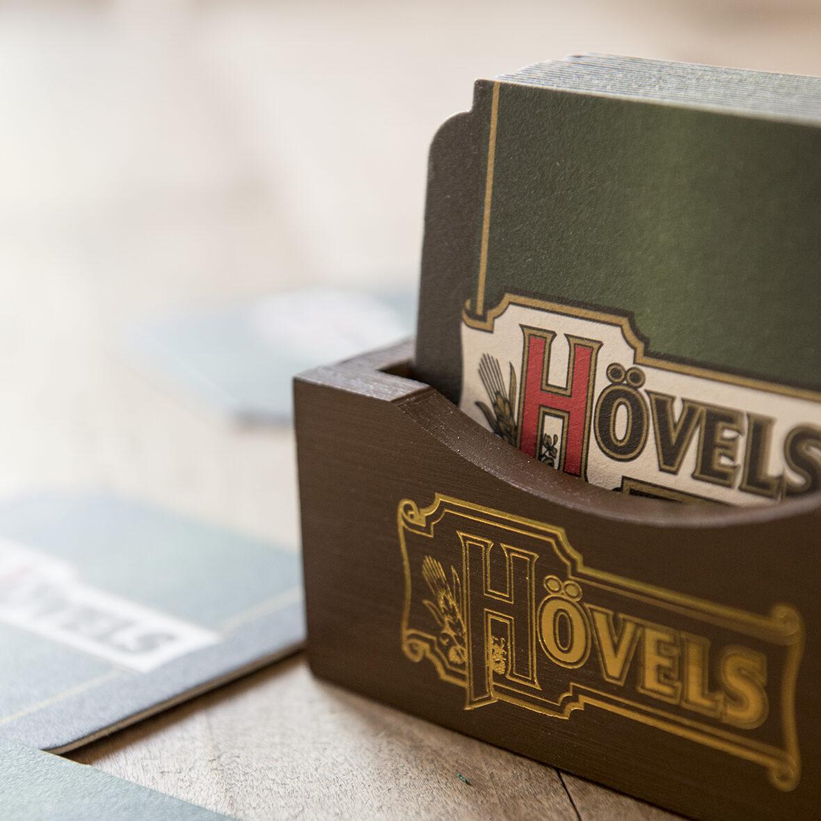 Hövels Original – Fanartikel Bierdeckelhalter aus Holz kaufen (Hausbrauerei Dortmund)