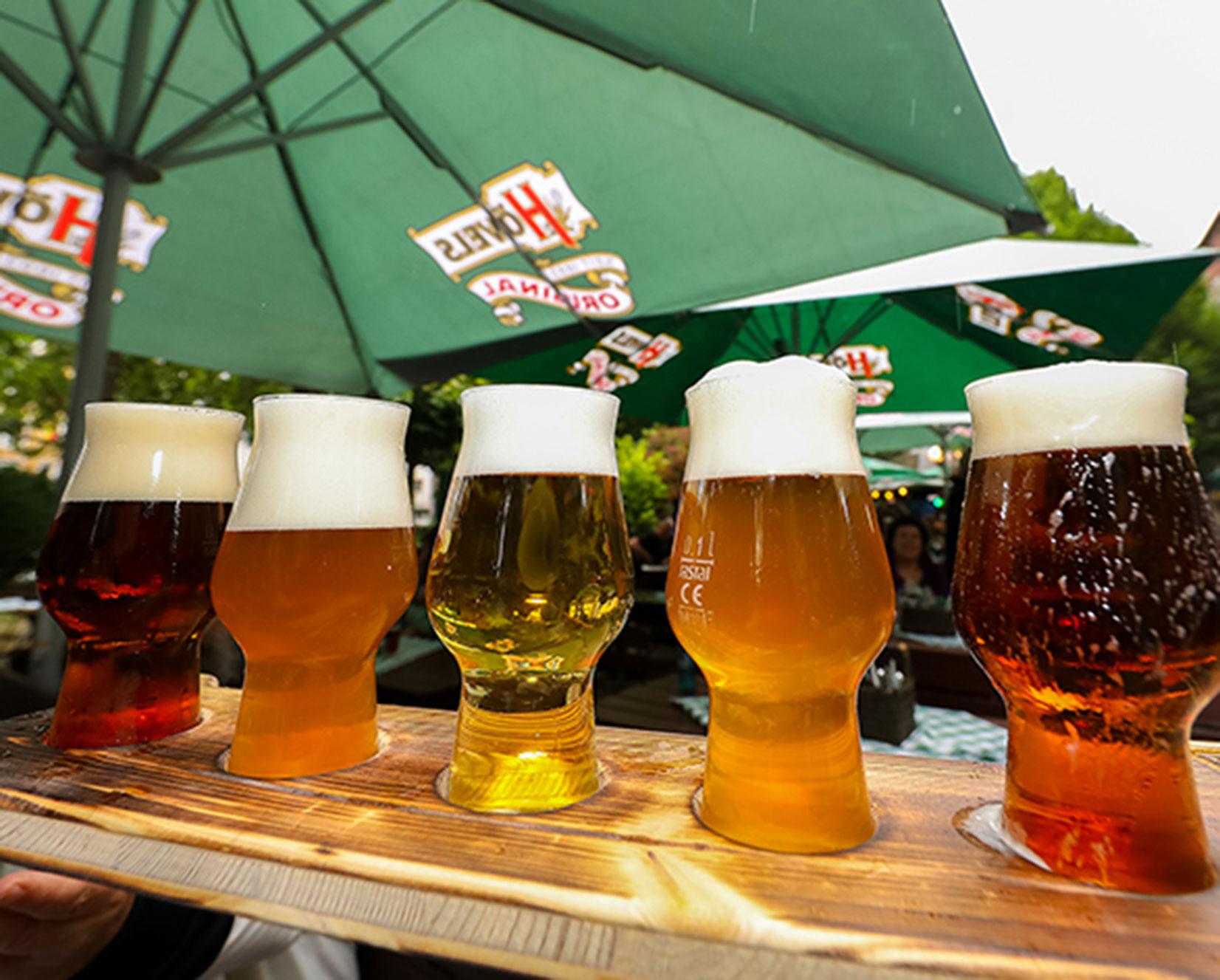 Biergarten Dortmunder Innenstadt - Hövels Hausbrauerei Bierbrett