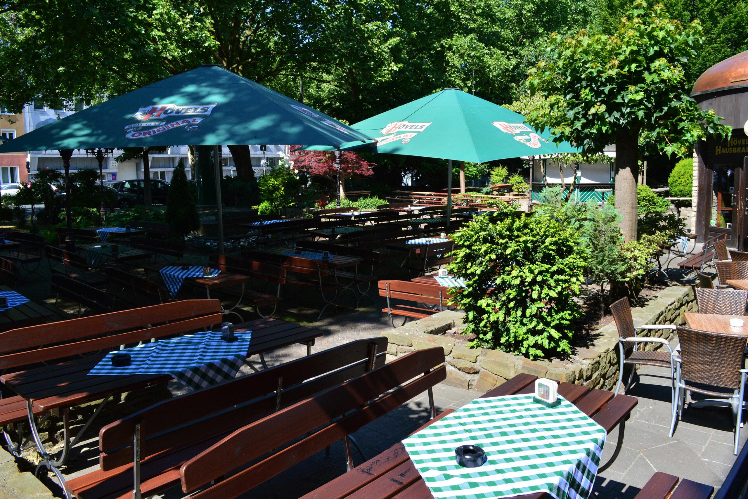 Hövels Hausbrauerei Restaurant mit Biergarten in der Dortmunder Innenstadt