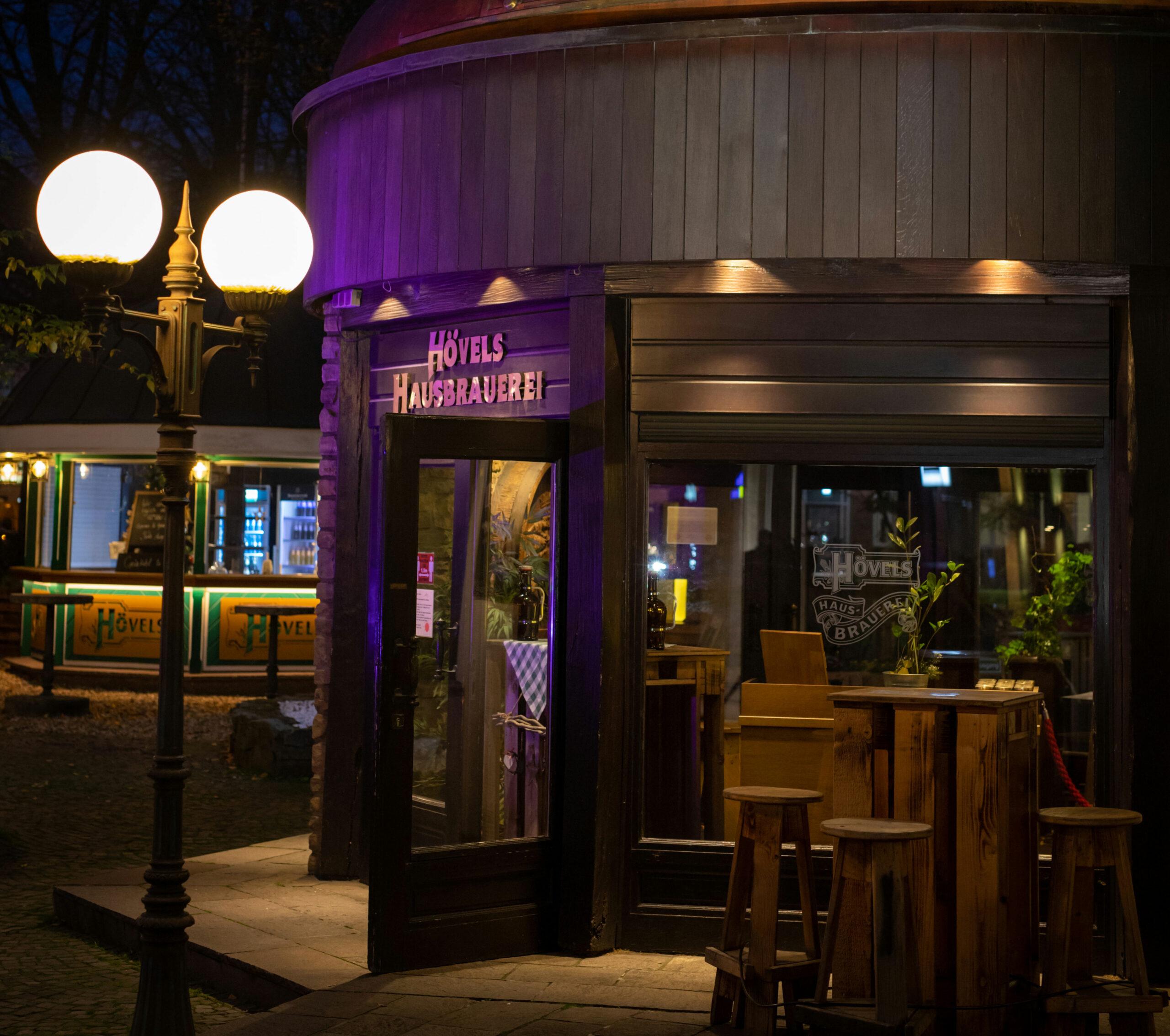 Hövels Hausbrauerei Dortmund City (Ansicht bei Nacht)