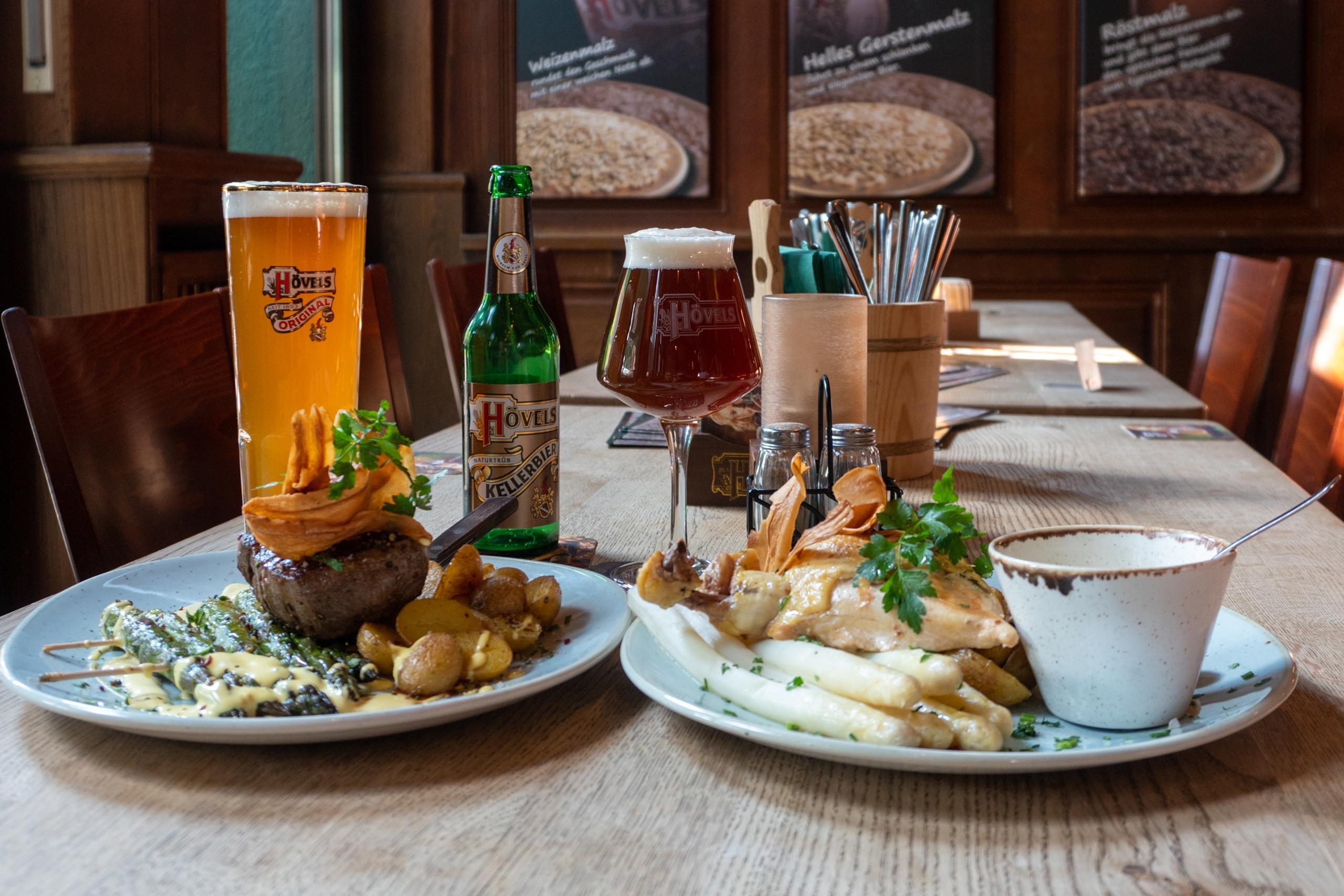 Hövels Hausbrauerei Restaurant Dortmund City (Speisen & traditionelles Bier)